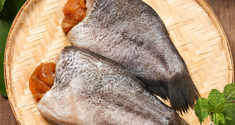 เมนู ใบเหลียงต้มกะทิปลาสลิดกรอบ พร้อมวิธีทำ